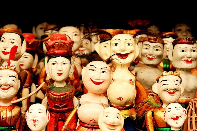 Water-Puppets-of-Vietnam